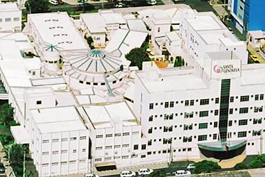 Cliente: Hospital Santa Genoveva. Obra: Construção e ampliação do centro cir...