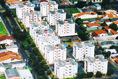 Cliente: Residencial Metrópole. Obra: Construção de blocos residenciais. - 38...